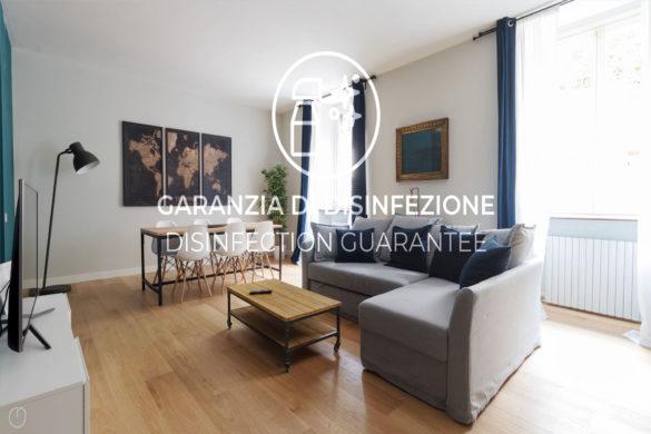 """1. Uno degli immobili gestiti direttamente da Italianway con watermark """"Garanzia di disinfezione""""_Bramante 1,Milano"""