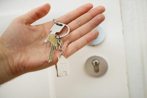 mano con chiave - Dove.it