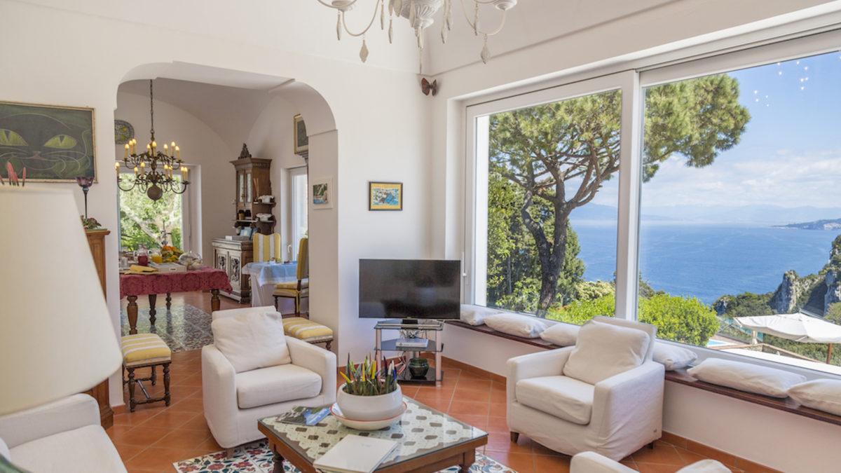 """Short rent: 20k euro a settimana per una villa a Capri, """"solo"""" 10k per Sorrento o Amalfi"""